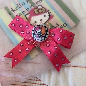 Tarina Tarantino Pink Head Hello Kitty hair bow